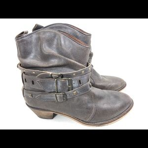 STEVE MADDEN TEXIC Distressed Ankle Boots 8